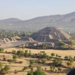 Mexikotrekking: Teotihuacan Mondpyramide (Walter Frehner_pixelio.de)