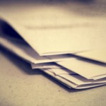 Papier günstig (Katharina Bregulla_pixelio.de)