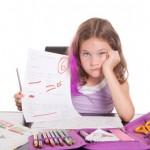 Kind mit schlechter Schulnote-Benjamin Thorn_pixelio